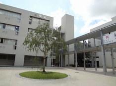 報徳学園中学校外観