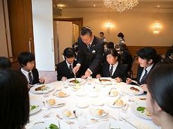 ホテル・ラ・スイート神戸でのテーブルマナー講習