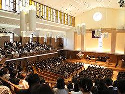 讃美歌とともに新たな学校生活がスタート!