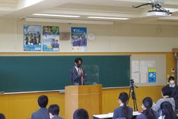 蒼開中学校で卒業スピーチを行いました。