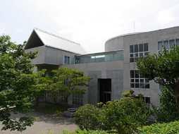 神戸国際中学校外観