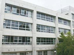高槻中学校