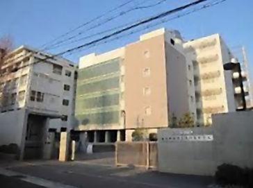 滝川中学校外観