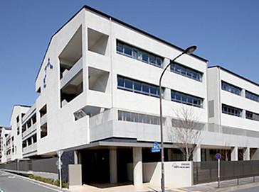 京都産業大学附属中学校外観