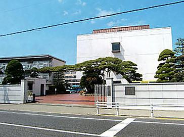 甲子園学院中学校外観