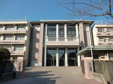 龍谷大学付属平安中学校外観