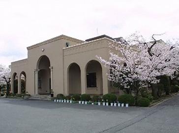 香里ヌヴェール学院中学校(旧 大阪聖母女学院中学校)外観