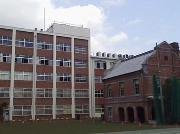 平安女学院中学校外観