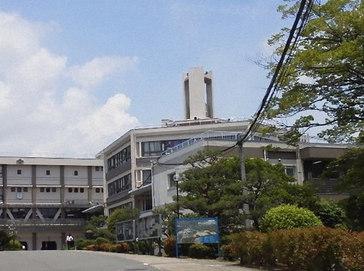 関西大倉中学校外観