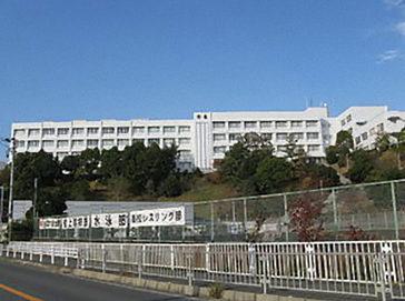 大阪体育大学浪商中学校外観