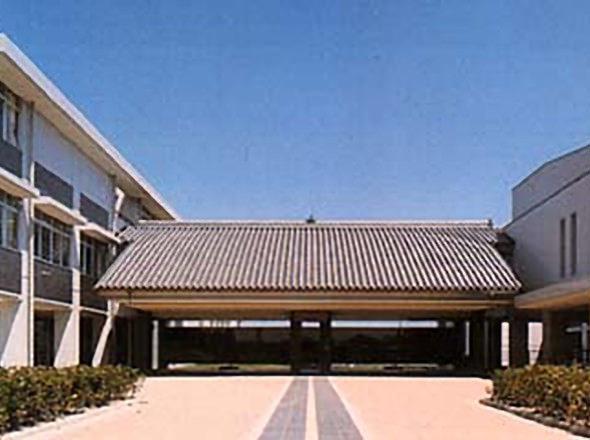 東大寺学園中学校外観